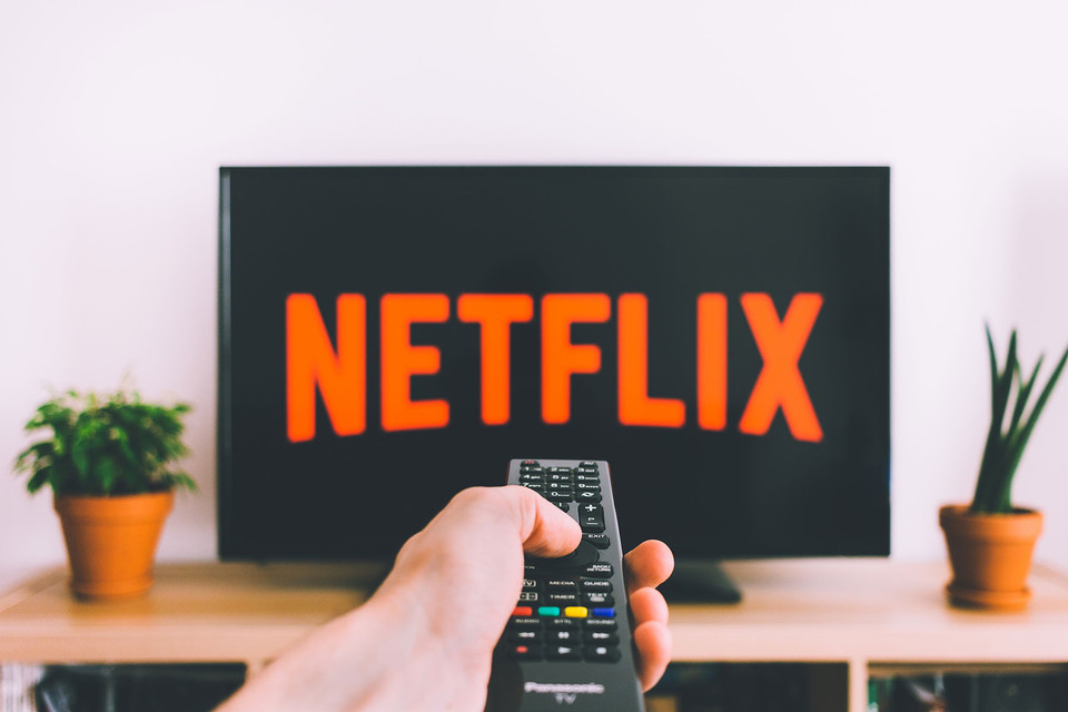 Netflix will now interrupt your series binge with video ads