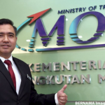 Video of transport minister distributing travel card info goes viral