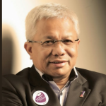 Malay content publishing icon hands over reins to next  generation leaders